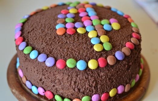 Torta di compleanno doppio cioccolato
