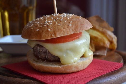 Burger fassona e castelmagno