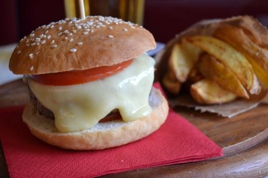 Burger piemontese al castelmagno