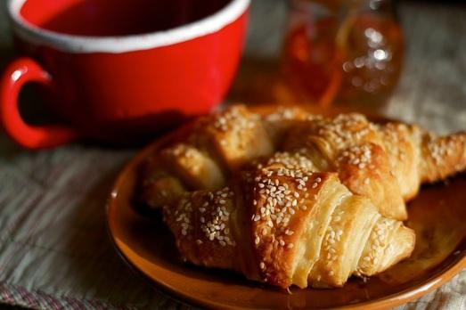 croissant sfogliati sesamo e miele