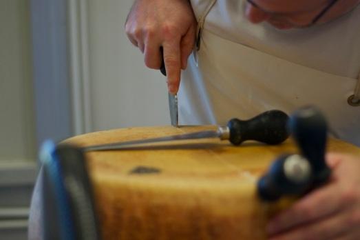 Aprire forma di Parmigiano